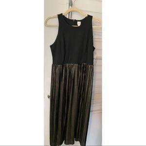 Black & Gold Pleated Midi Dress